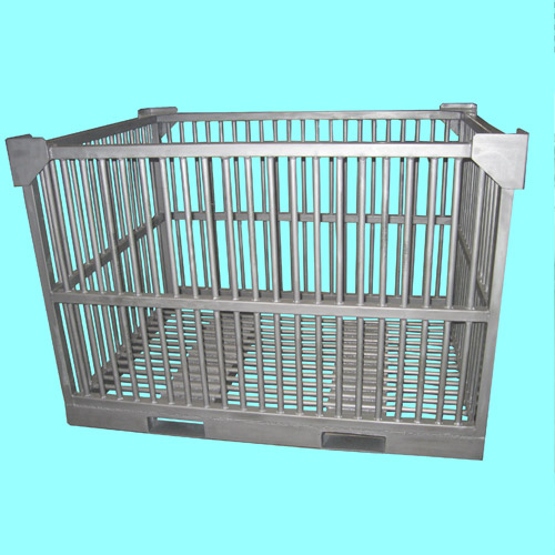 Cage for containing fishes in Cold Storage